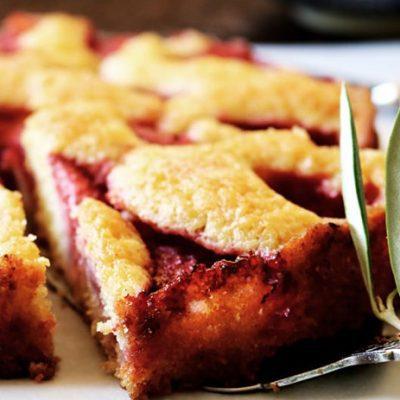 Супернежный клубничный пирог - рецепт с фото