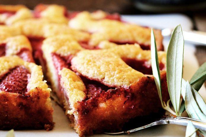 Супернежный клубничный пирог