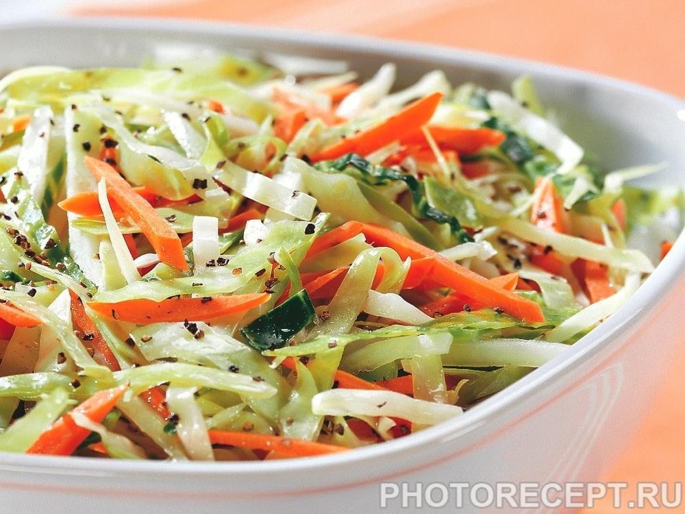 Постный салат из капусты и моркови