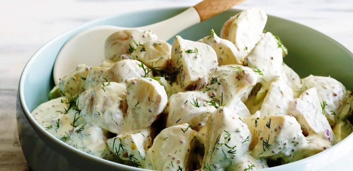 Простой салат из картофеля с ароматной заправкой