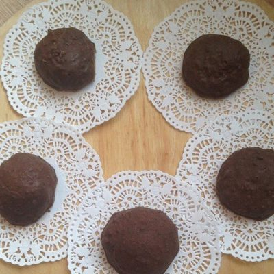 Готовим домашние конфеты с арахисом - рецепт с фото