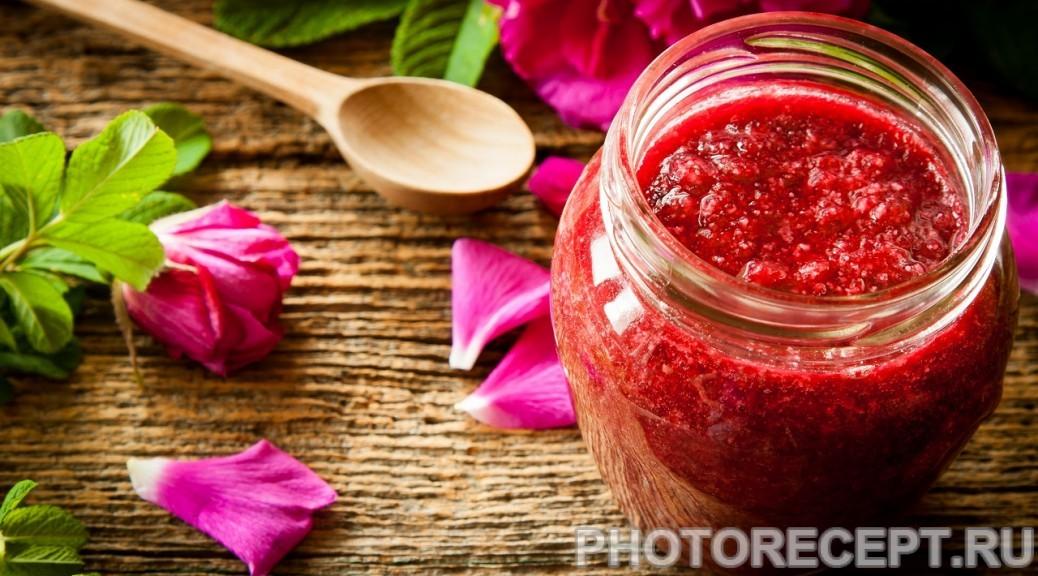 Варенье из земляники с лепестками роз на зиму
