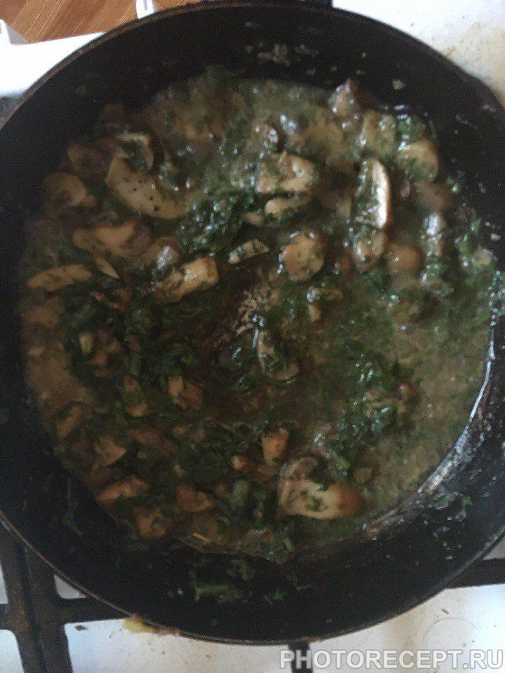 Фото рецепта - Курица с грибами – быстрый домашний рецепт - шаг 4