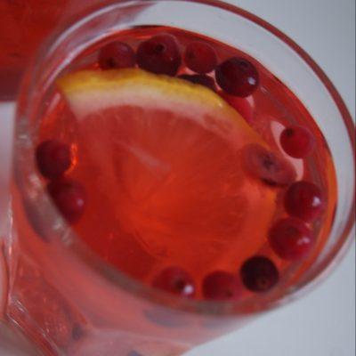 Имбирно-клюквенный морс с лимоном - рецепт с фото