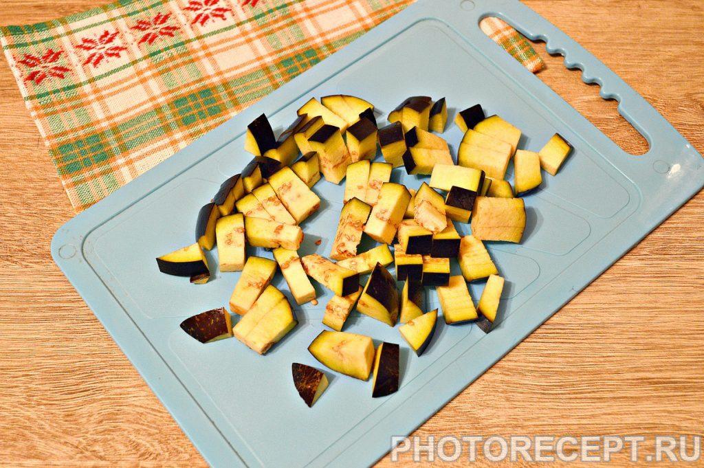 Фото рецепта - Капуста, тушенная с баклажанами и фаршем - шаг 1