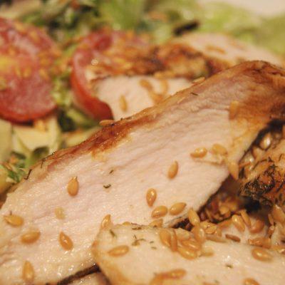 «Облегченный» Цезарь со сметанным соусом - рецепт с фото