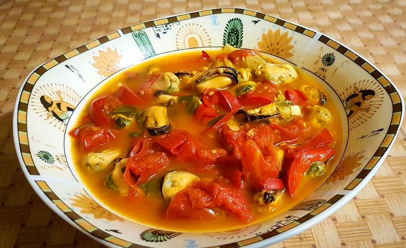 Острый суп с мидиями из Туниса