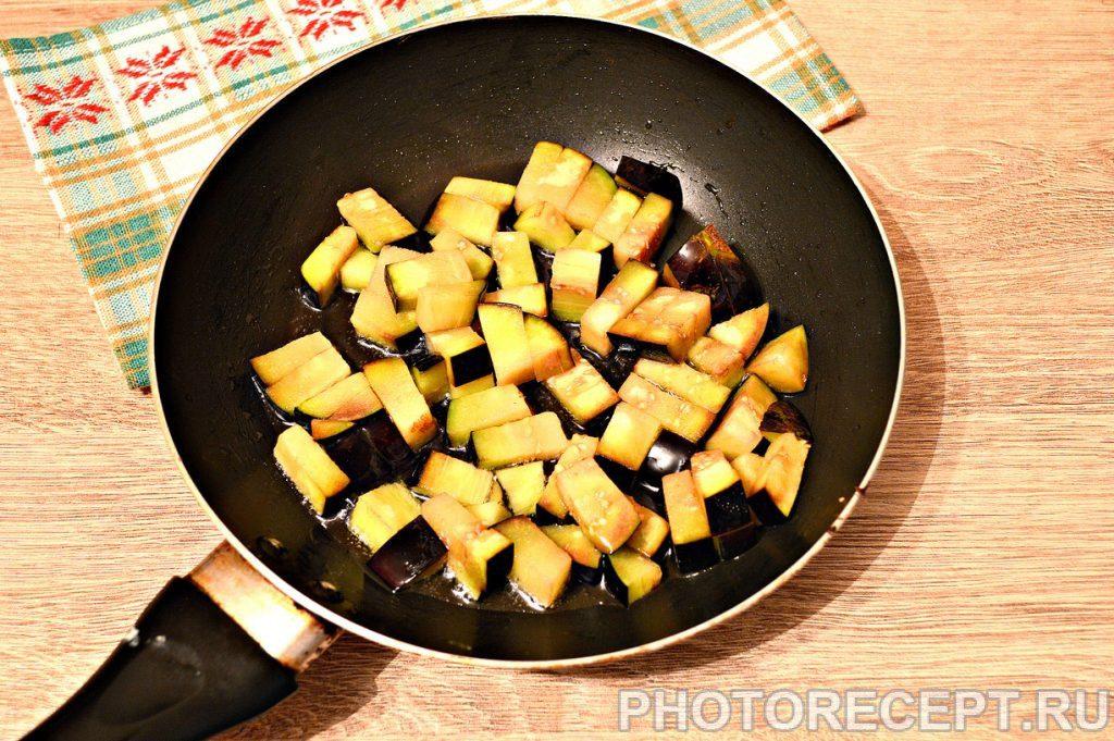 Фото рецепта - Капуста, тушенная с баклажанами и фаршем - шаг 2
