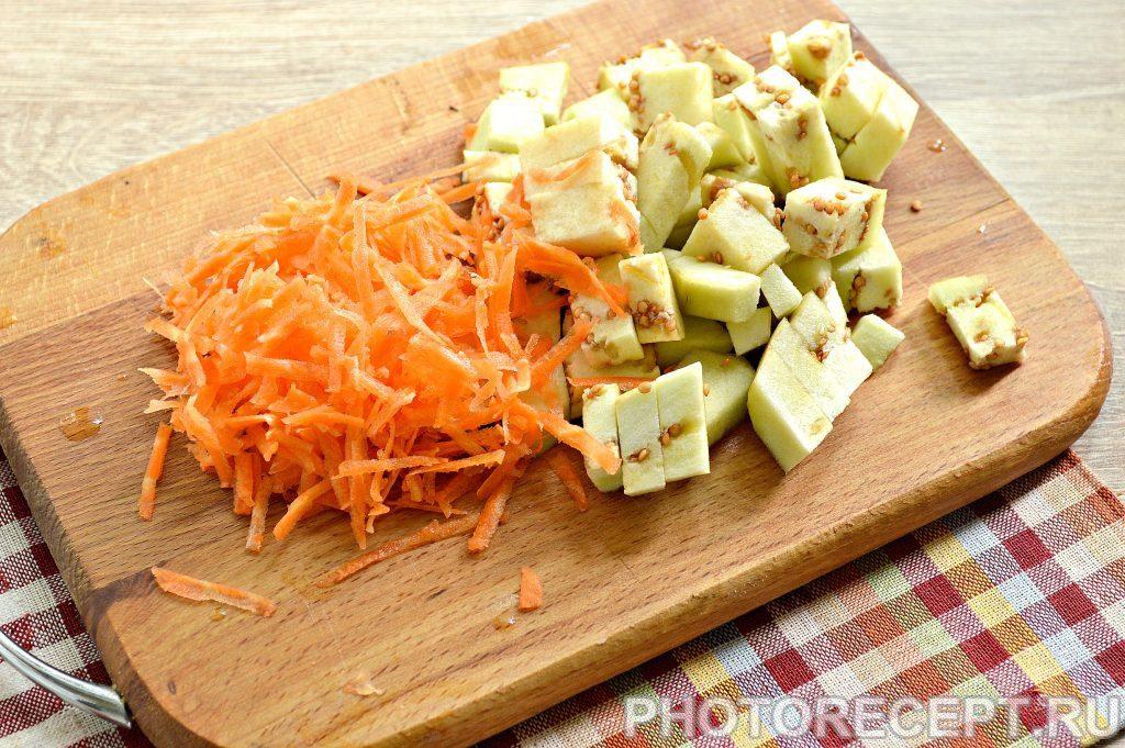 Фото рецепта - Картофель, тушеный с баклажанами и фаршем - шаг 2