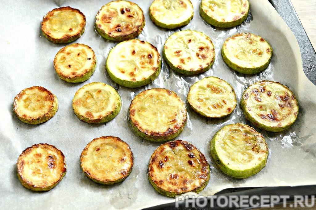 Фото рецепта - Кабачки с помидорами и сыром в духовке - шаг 2