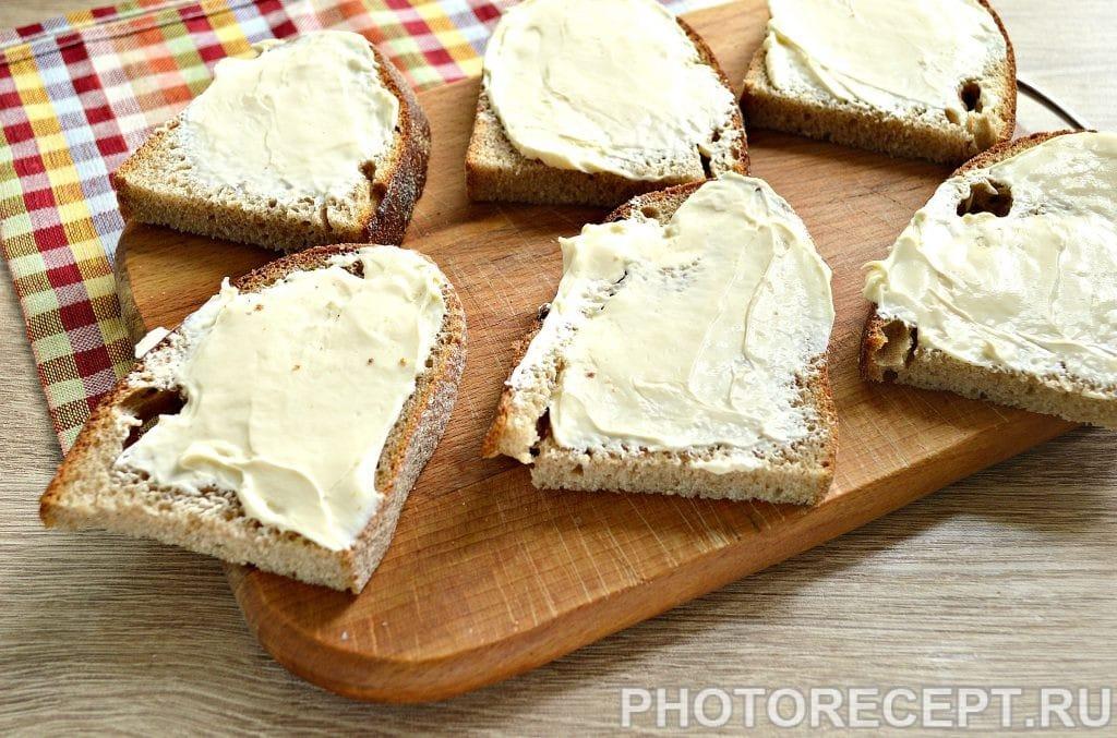 Фото рецепта - Бутерброды с соленой горбушей - шаг 2