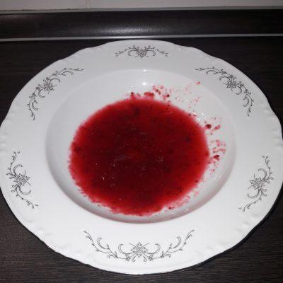 Фото рецепта - Клюквенный морс с малиной - шаг 1