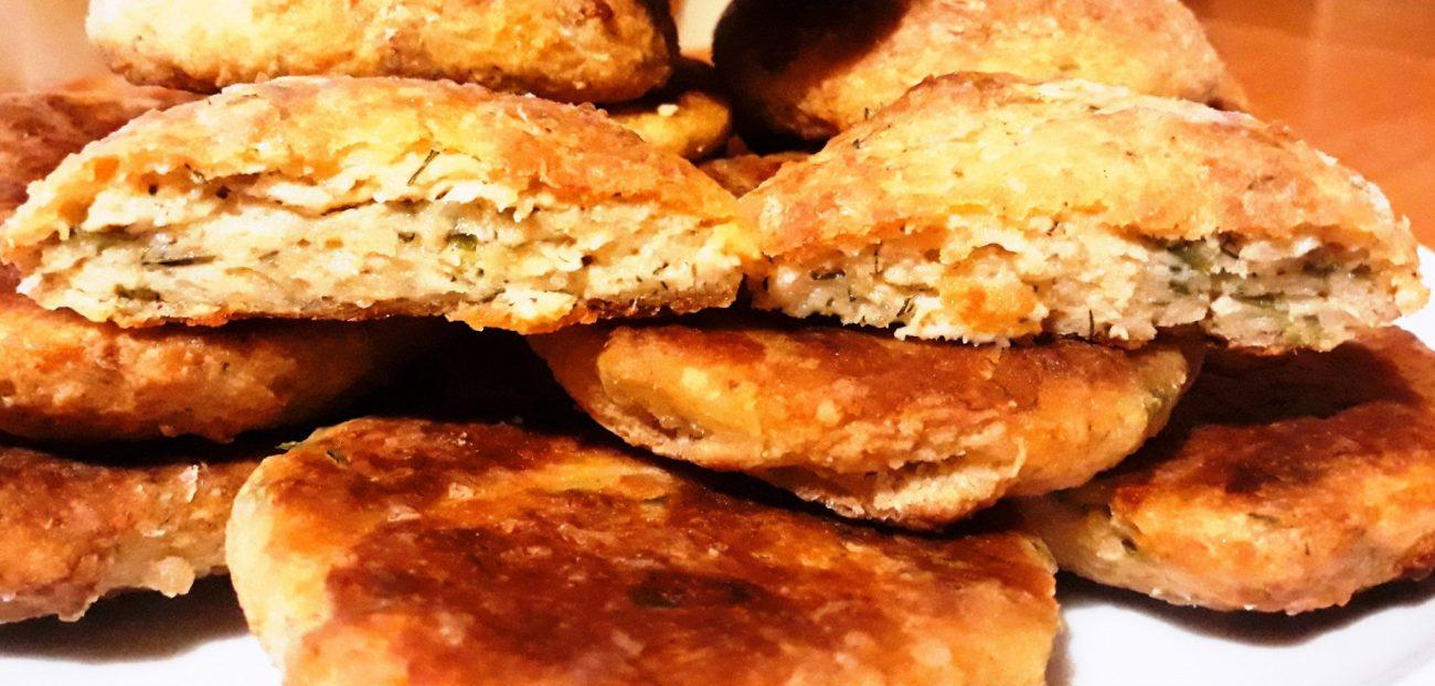 Рыбные котлеты с плавленым сыром, запеченные в духовке