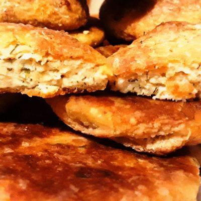 Рыбные котлеты с плавленым сыром, запеченные в духовке - рецепт с фото
