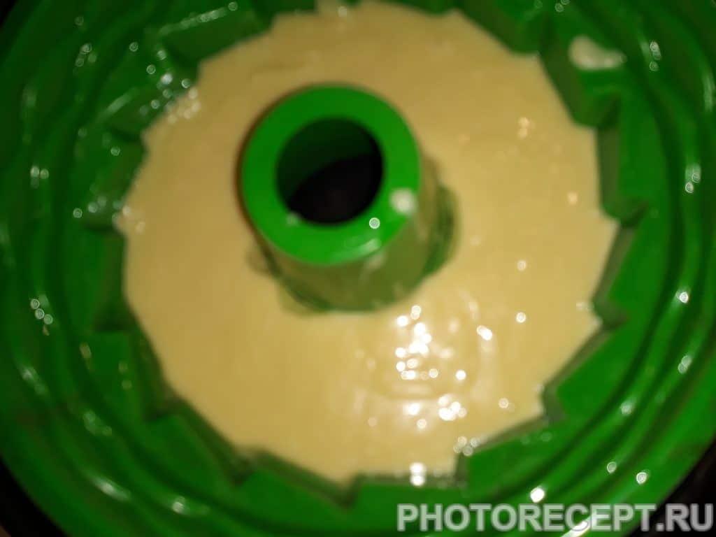 Фото рецепта - Бисквитный кекс - шаг 4