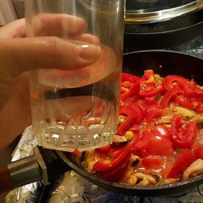 Фото рецепта - Острый суп с мидиями из Туниса - шаг 4