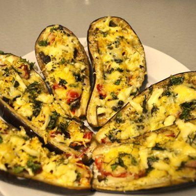 Запечёные баклажаны с овощами и сыром - рецепт с фото