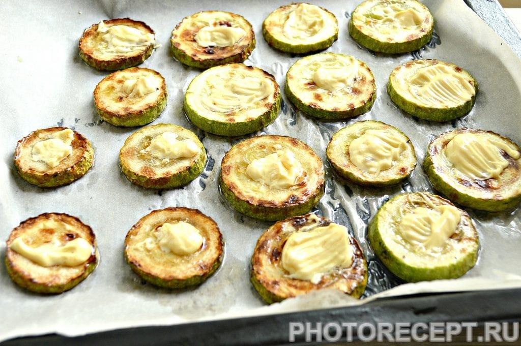 Фото рецепта - Кабачки с помидорами и сыром в духовке - шаг 3