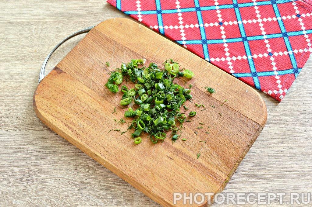 Фото рецепта - Блины с начинкой из копченой курицы и сыра - шаг 4