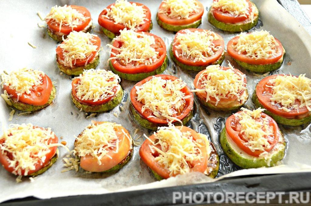 Фото рецепта - Кабачки с помидорами и сыром в духовке - шаг 5