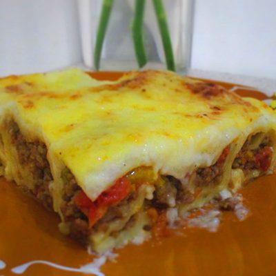Каннеллони с мясным фаршем и соусом бешамель - рецепт с фото
