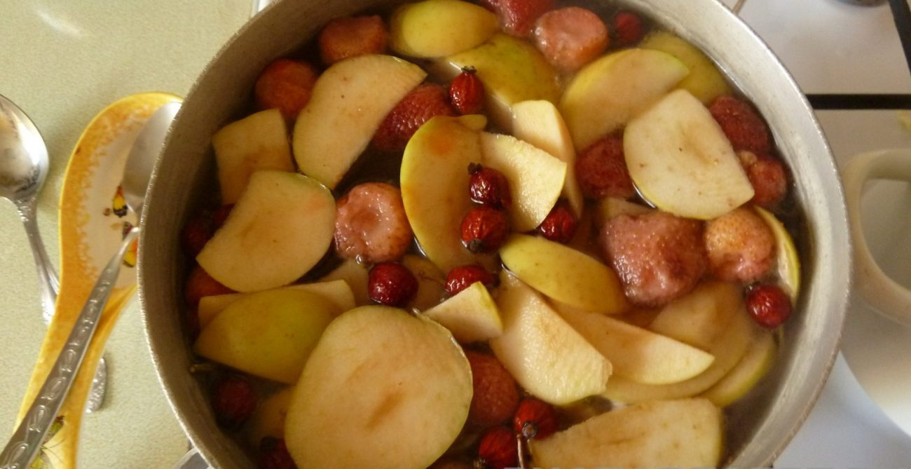 Компот из ягод и фруктов