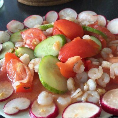 Салат в креветками - рецепт с фото
