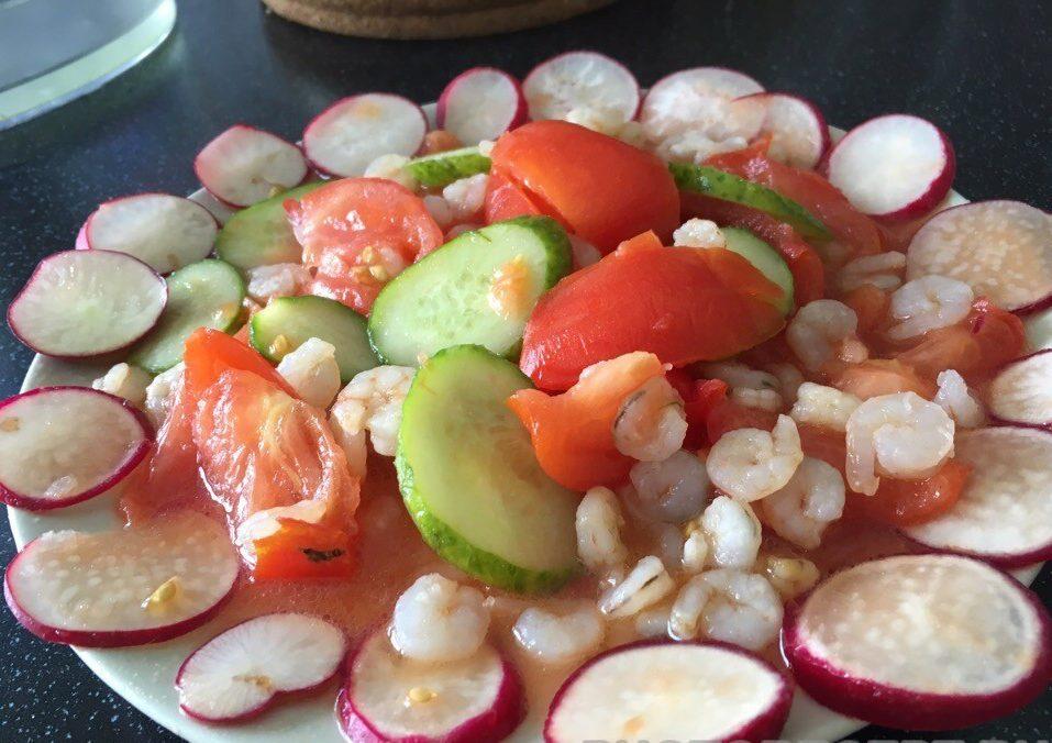 Салат в креветками
