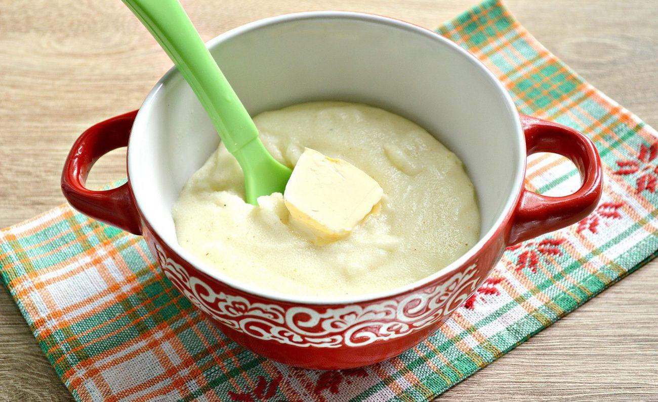 Манная каша на молоке и воде со сливочным маслом