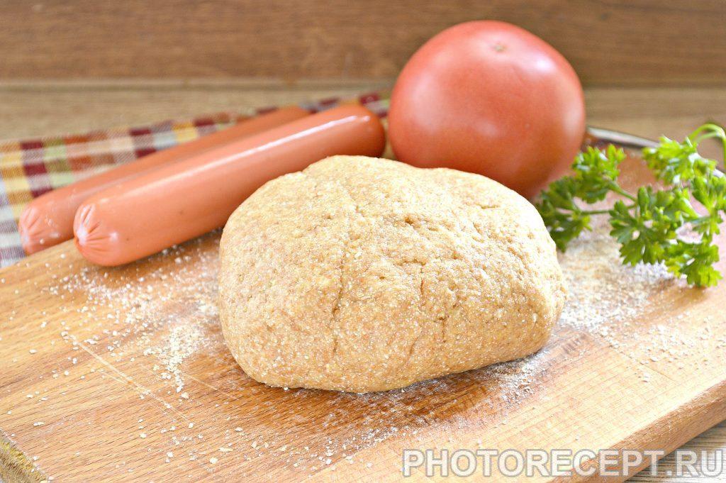 Фото рецепта - Быстрое тесто для пиццы на майонезе с цельнозерновой мукой - шаг 7