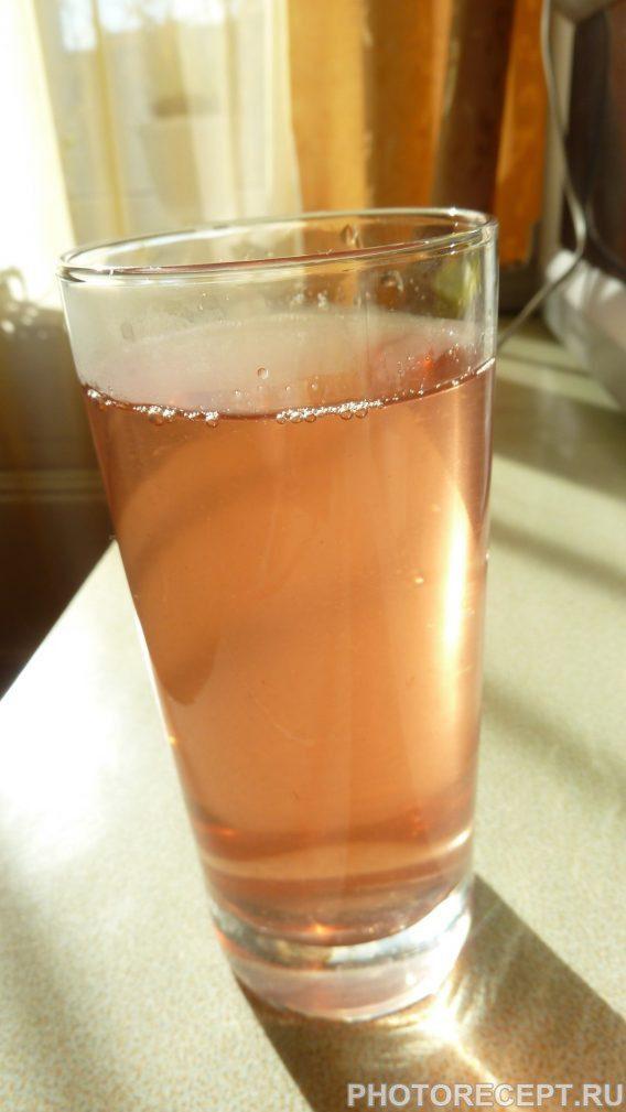 Фото рецепта - Компот из ягод и фруктов - шаг 3