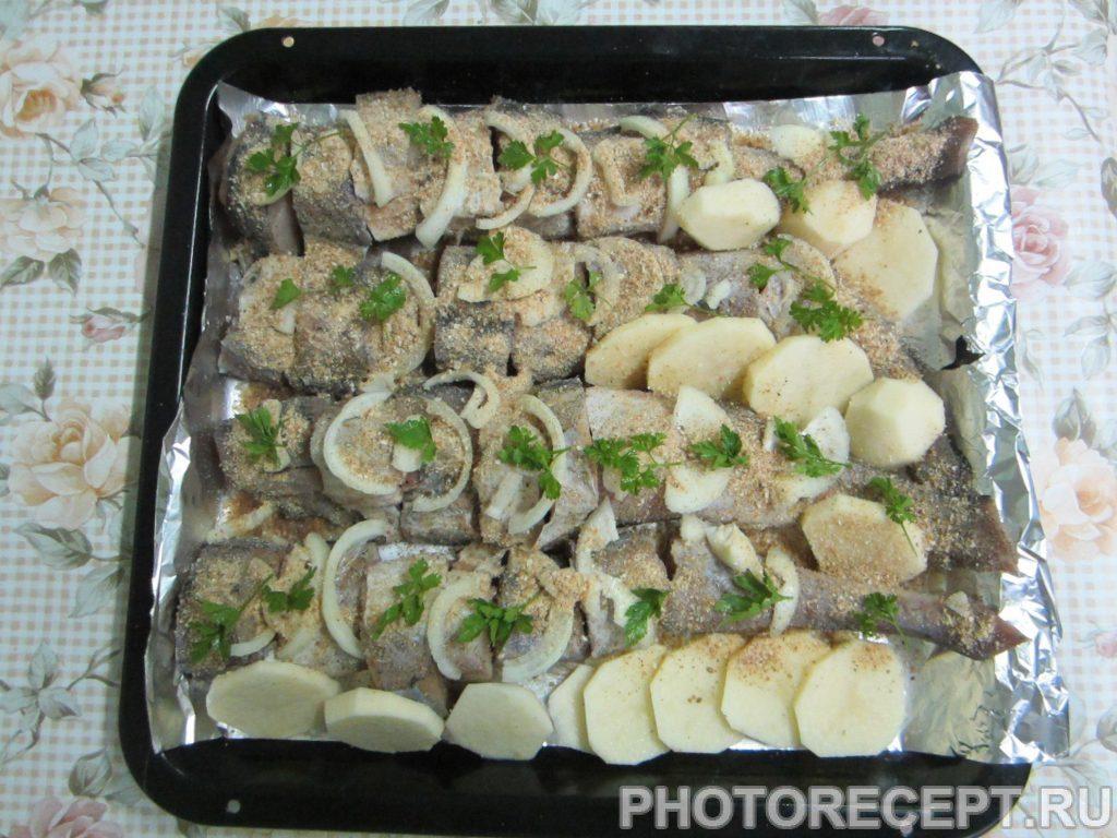 Фото рецепта - Печеная рыба в собственном соку - шаг 7
