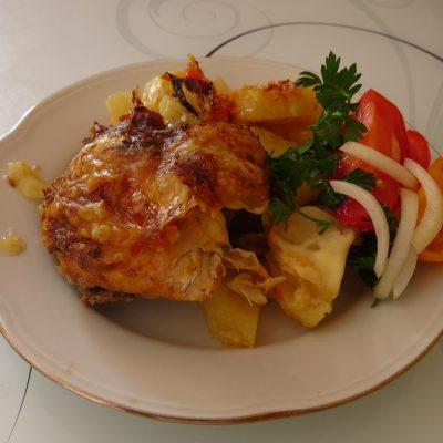 Курица в аджике запеченная с картошкой от ХОЛОСТЯКА - рецепт с фото