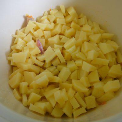 Фото рецепта - Куриные крылья с картофелем в мультиварке - шаг 2