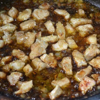 Фото рецепта - Лапша с курицей и соевым соусом - шаг 5