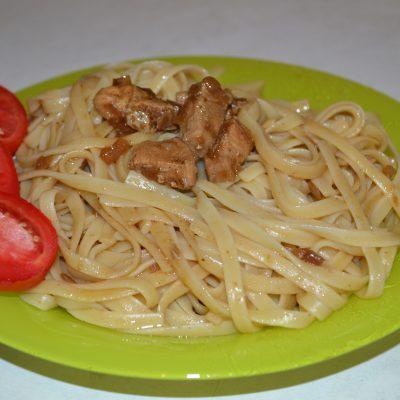 Лапша с курицей и соевым соусом - рецепт с фото