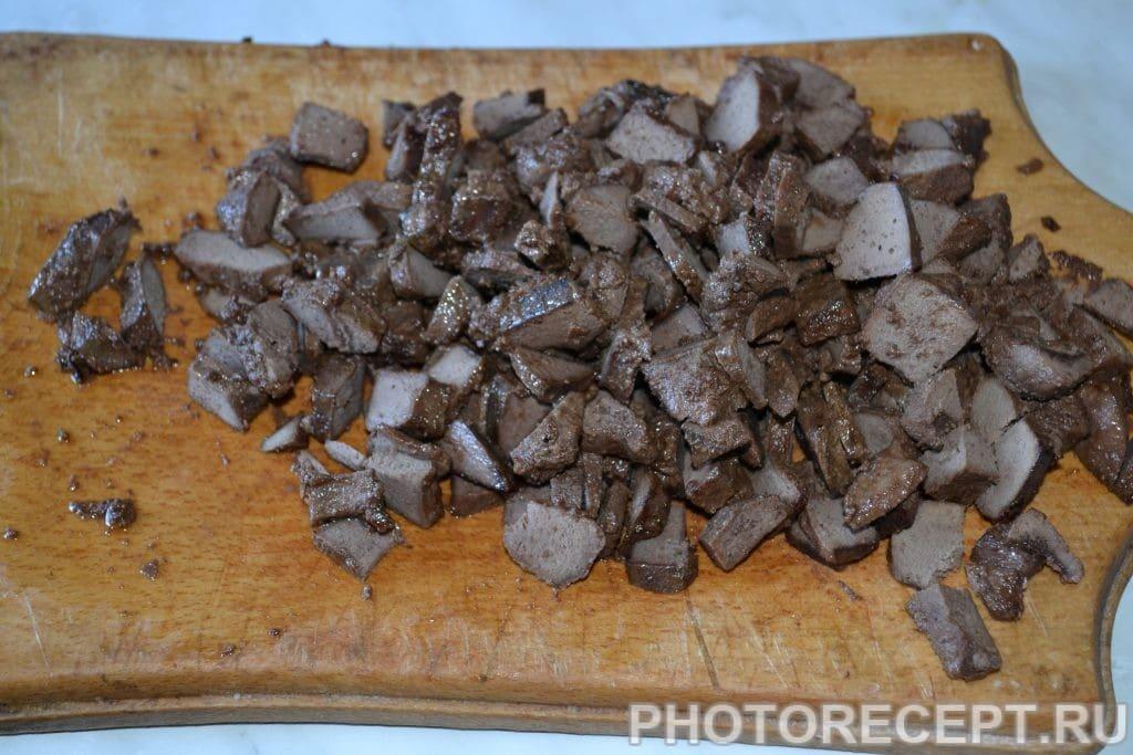 Фото рецепта - Блинчики с печенью и луком - шаг 4