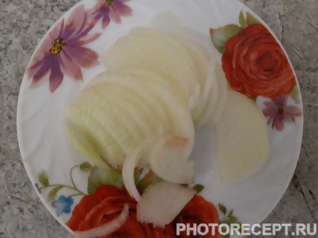 Фото рецепта - Куриные сердечки тушенные со сметаной и луком - шаг 2