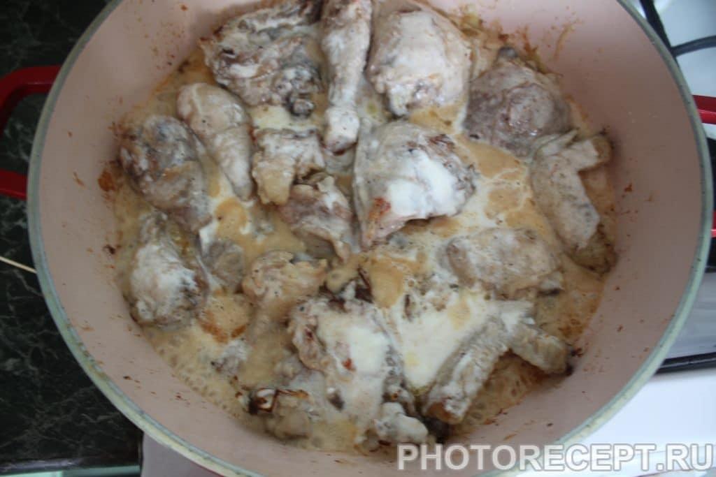 Фото рецепта - Курица тушеная в сметане - шаг 3