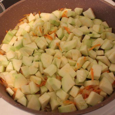 Фото рецепта - Овощное рагу с кабачками - шаг 3
