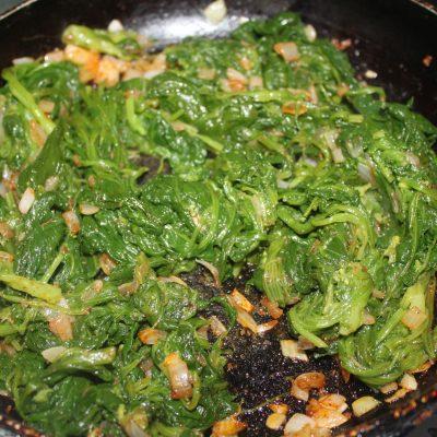 Фото рецепта - Запеканка с фаршем и шпинатом - шаг 3