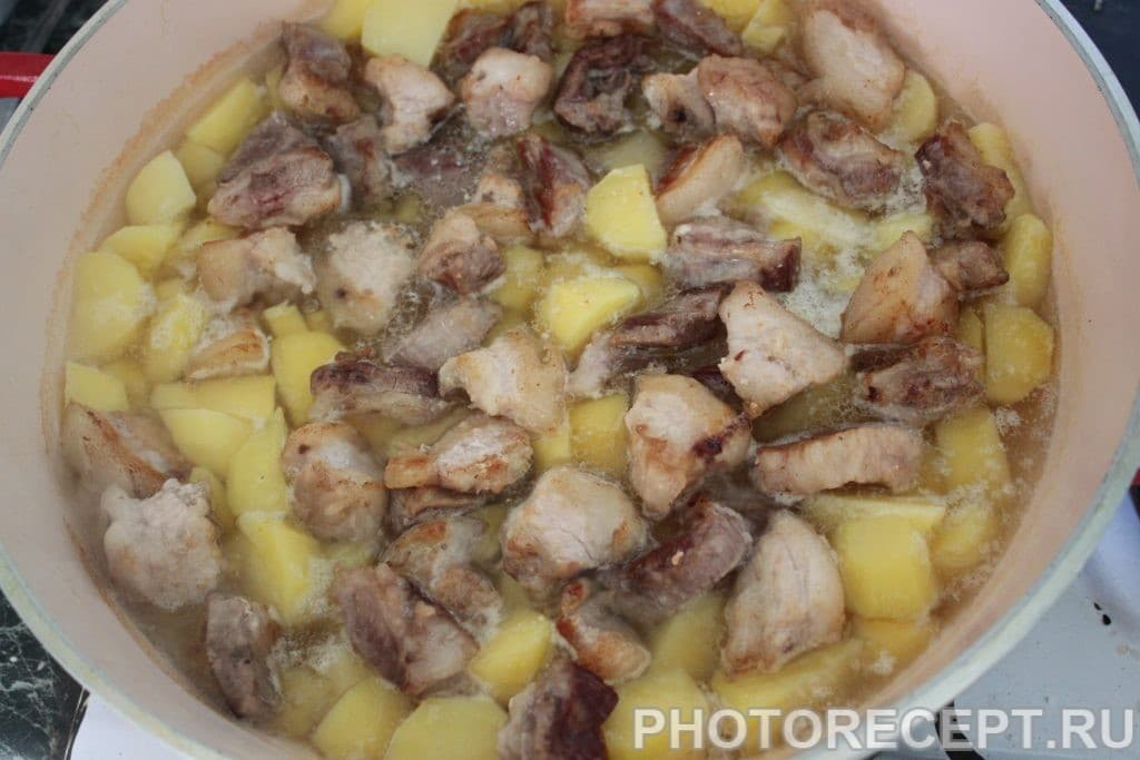Фото рецепта - Жаркое по-домашнему из свинины - шаг 3