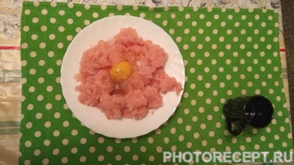 Фото рецепта - Котлеты куриные с кабачком - шаг 2