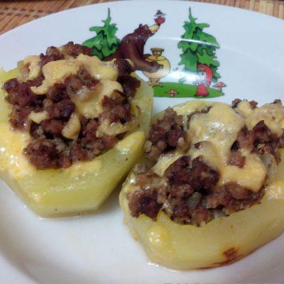 Фаршированный кабачок мясом - рецепт с фото