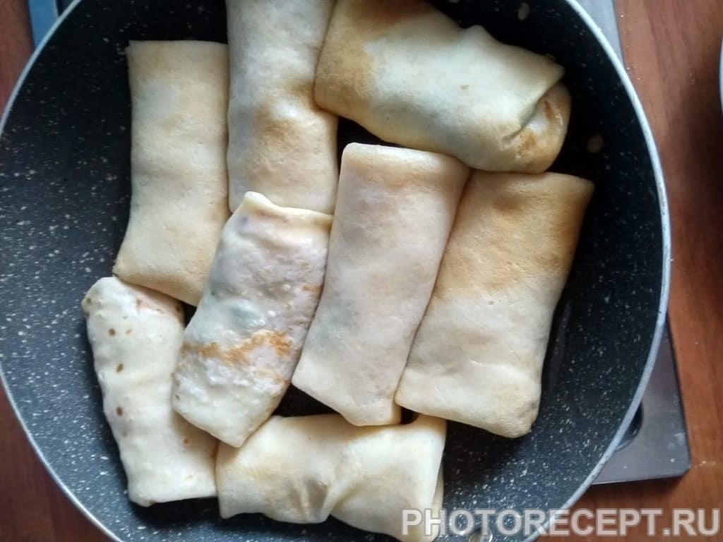 Фото рецепта - Блины фаршированные сыром и зеленью - шаг 6