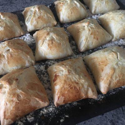 Конвертики из куриного филе с сыром - рецепт с фото