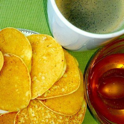 Панкейки с бананом без сахара и муки - рецепт с фото