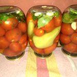 Фото рецепта - Маринованные помидоры с тархуном - шаг 6