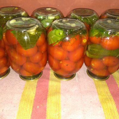 Маринованные помидоры с тархуном - рецепт с фото
