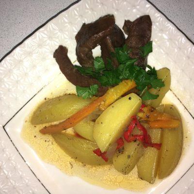 Тушенное говяжье сердце - рецепт с фото